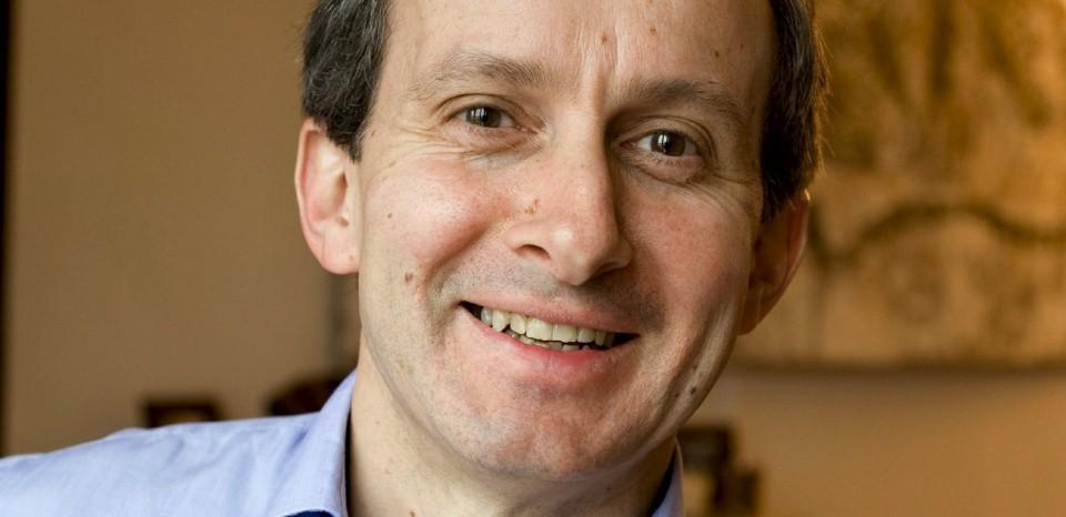 Vincent de La Vaissiere, PDG de l'agence VcomV, a son domicile  communication